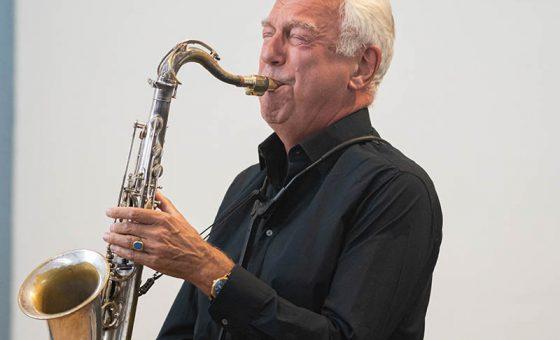 Dick de Graaf speelt Bach